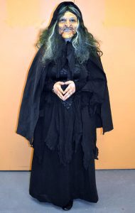 Victoria Kaczmarek (Peddler Woman)